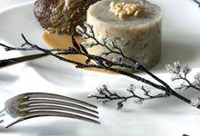 Pavés d'autruche grillés, sauce au café et topinambours aux noix
