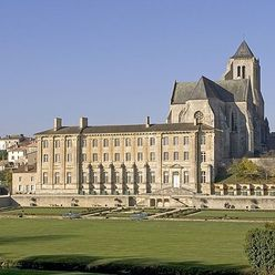 l'abbaye de Celles-sur-Belle