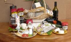 Les produits du terroir nîmois à la fromagerie des Loubes.