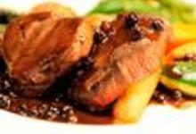 http://www.recettespourtous.com/files/imagecache/recette_fiche/img_recettes/5538_recette-medaillon-caribou-bleuets.jpg