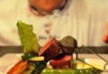 http://www.recettespourtous.com/files/imagecache/recette_fiche/img_recettes/26398_recette_filet_boeuf_roti_sur_tranche_puis_fume_aiguilles_pin_sauce_choron_grenailles_.jpg