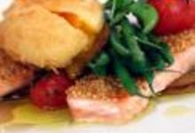 http://www.recettespourtous.com/files/imagecache/recette_fiche/img_recettes/14911_recette_saumon_pane_graines_sesame_oeuf_poche.jpg