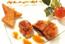 Foie Gras de Canard Poêlé aux Fruits Confits et Pain d'Épice, Sauce Aigre Douce aux Agrumes