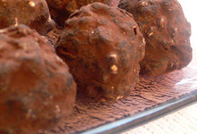 Truffes au chocolat et aux noisettes