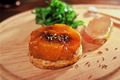 Tatin de navets glacée au caramel de Belle Ile et foie gras