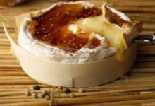 Camembert de Normandie tiède au caramel poivré