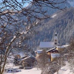 Village de Savoie en haute saison