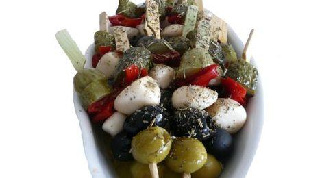 Mini-brochettes d'olives gourmandes Maison