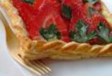 Feuilleté aux fraises, sirop au persil plat