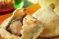 Cuisses De Canard Confites En Croute De Sel De Bayonne, Mesclum En Vinaigrette De Betterave