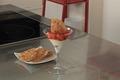Verrine de fraises à la vanille, croustillant à l'amande