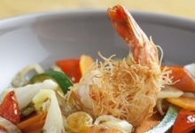 Salade de légumes à la marocaine, gambas en kadaïf