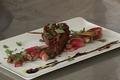 Aiguillettes de canard laquées au miel de soja, câlins de radis roses