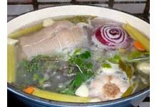 tête de veau sauce gribiche en préparation