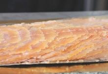 Saumon bio entier tranché reconstitué