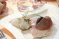 Bar rôti a la purée d'Artichaut, Galette de Seigle au Caviar d'Aquitaine