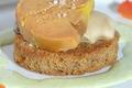 Huîtres Pousses en Claires Marennes Oléron pochées dans leurs jus, toastées d'un Pain de Campagne au Foie Gras fumé, et sa crème iodée