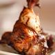 AUSSIERES BLANC  Et ses ailerons de poulet caramélisés aux agrumes
