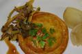 Tourte de faisan, chou frisé et courge butternut