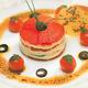 Millefeuille de tomates et poivrons confits à la crème de Chavignol