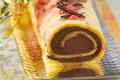 Bûche au chocolat et pralines roses