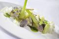 Salade d'artichauts et fenouil, purée de fenouil, crème de citrons confits, sauce poireaux verts et truffe noire (tuber melanosporum)