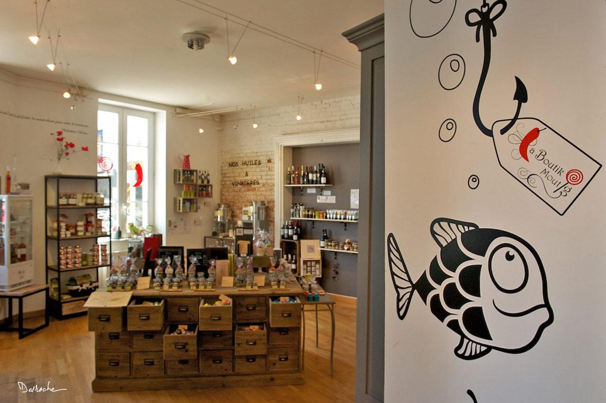 salon de th la boutik moutig concarneau 29900. Black Bedroom Furniture Sets. Home Design Ideas