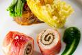 Queue de Lotte rôtie au jambon noir de Bigorre et tapenade,  Ratatouille de légumes du jardin et tempura de fleurs de courgettes