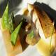 Filet de Saint-Pierre poêlé anchois et raisins de Corinthe en tapenade,   Purée de céleri-rave à l'huile de noisette