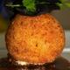 Croustillant de pommes de terre Nicolas, cœur coulant de courgettes à la truffe noire, sauce Périgueux