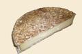 Fromage Brie de Melun sec noir.