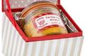 Foie gras entier de canard de la ferme Uhartia, présenté dans son coffret Chic