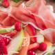 Salade de fruits, Jambon de Parme et ricotta fumée