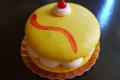 Jeux de pains, macaron Gelée de mangue avec morceaux et mousse passion